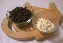 chocolate and white chocolate chips